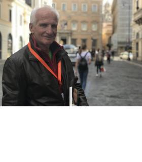 Jean-Pierre Gavillet a été très ému de pouvoir assister à la canonisation de la première Sainte du diocèse de Lausanne, Genève et Fribourg. En médaillon, Marguerite Bays. GRABET