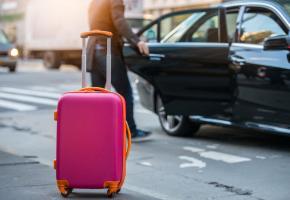 Grâce au protocole mis au point par l'EPFL et l'Université de Lausanne, les clients Uber comme les chauffeurs pourraient effectuer leurs courses de manière plus confidentielle. DR