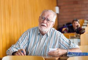 Jacques Dubochet, le nouveau prix Nobel de chimie.