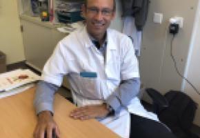 Pr Matthias Cavassini, responsable de la consultation en maladies infectieuses du CHUV et enseignant à l'UNIL. CA
