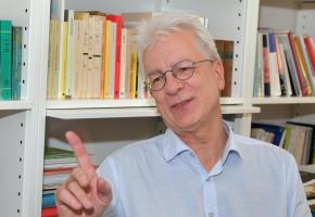 Dominique Bourg, un Lausannois engagé pour l'écologie et pour l'Europe. VERISSIMO