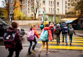 Montchoisi: Les enfants se rendant à l'APEMS de Montolivet. Ce jour-là, ils étaient au nombre de 23, entourés de deux éducateurs. MISSON
