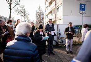 La balade exploratoire s'est déroulée en présence de David Payot, municipal en charges des quartiers. MISSON