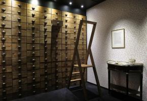 Vue de l'exposition: les tiroirs de la mémoire. MRV
