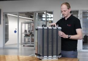 La structure d'un camion à pile à combustible a déjà été testée par Bosch, pour une autonomie de près de 1000 km.