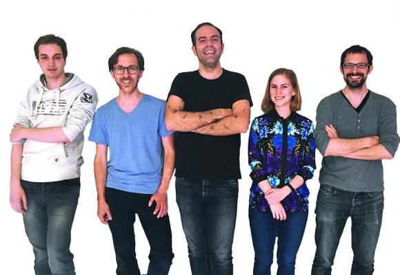 Gavrilo Bozovic (2e depuis la gauche), CEO et fondateur de la start-up Teleport, entouré de son équipe. DR