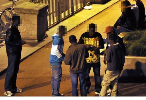 «Dès 22 heures,  la rue appartient aux dealers». Verissimo