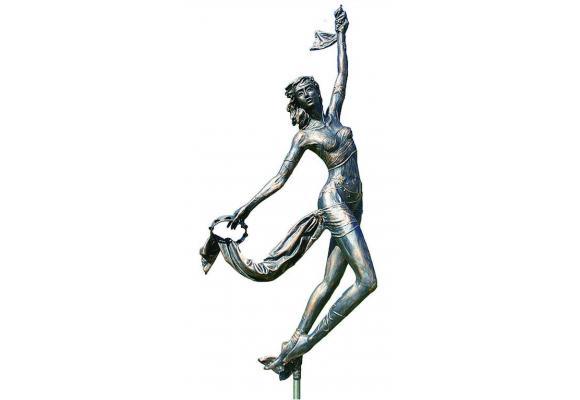 «La Fée des Vignes»  de Sara H., une des sculptures qui ornera la future Promenade des Sculpteurs. DR