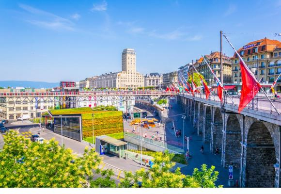 Lausanne est une ville accueillante, mais les formalités administratives pour s'y installer en tant qu'expatrié sont bien plus contraignantes que dans d'autres villes à travers la planète. 1,2,3 RF
