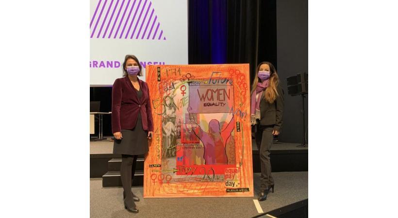 Sur notre photo, Alexia Weill, accompagnée de Mme Maribel Rodriguez, directrice du Bureau de l'Egalité entre les Femmes et les Hommes (BEFH). DR