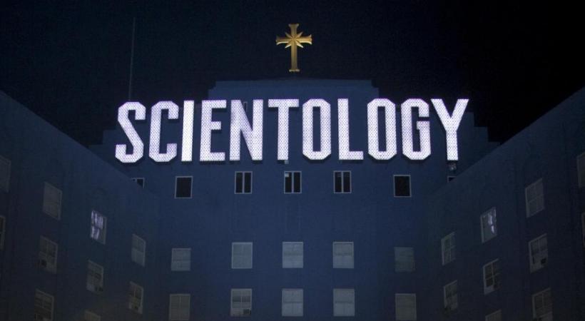 La scientologie multiplie les apparitions sur les marchés de la Côte. DR