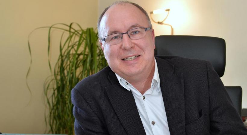 Pierre-Yves Maillard. dr