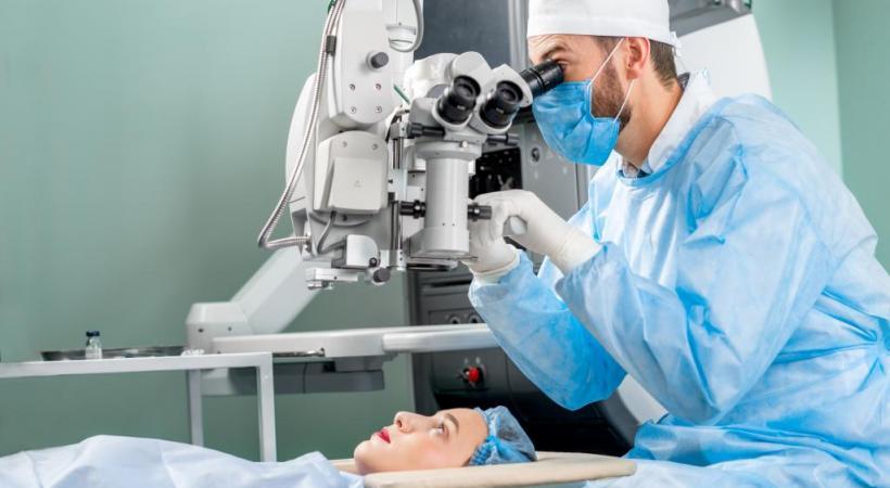Une intervention indolore et pratiquée en ambulatoire. 123RF