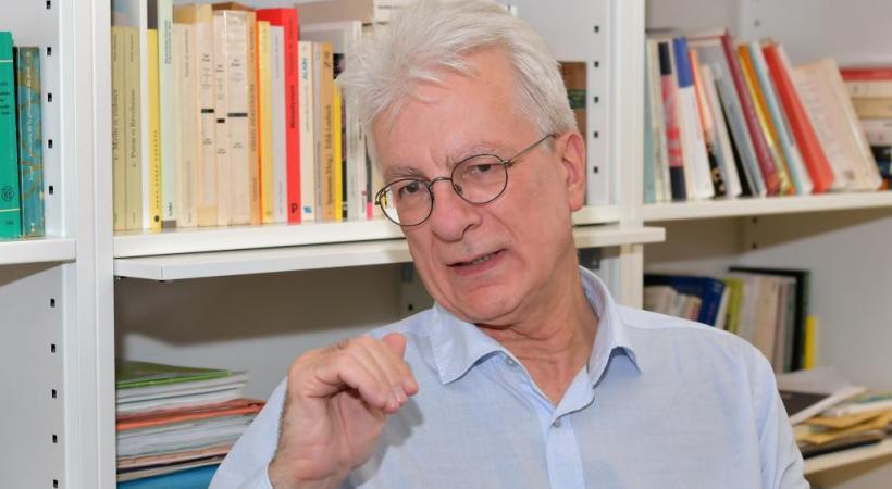 Dominique Bourg, philosophe et ancien professeur à l'Université de Lausanne. VERISSIMO